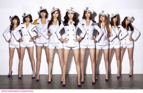 A_group_of_air_hostess.jpg